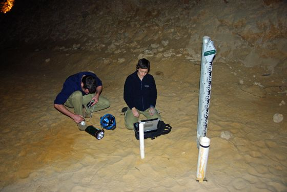 Groundwater level measurement caves